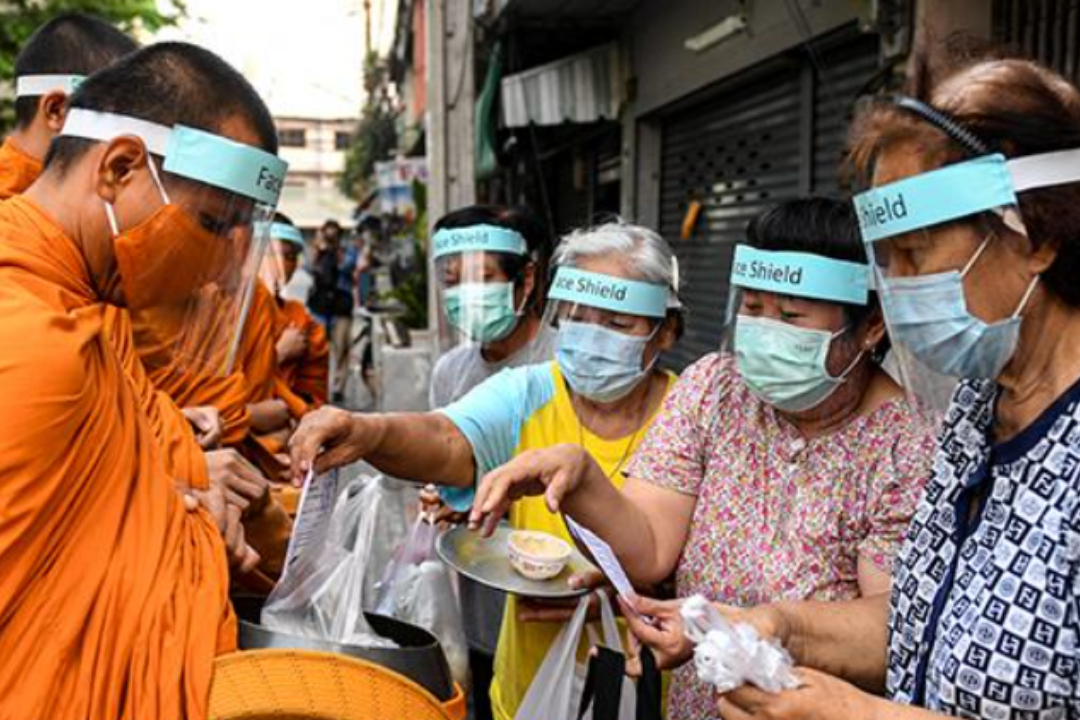 Thailand cuts quarantine period for tourists who have been vaccinated against COVID-19